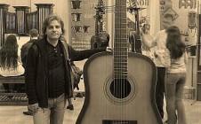 Бас-гитара — Валерий Желуницын